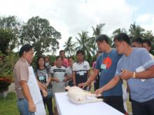 Dr. Jesus G. Edullantes, City Veterinarian of Tagum,  demonstrated the Anatomy of Food Animals to the participants.