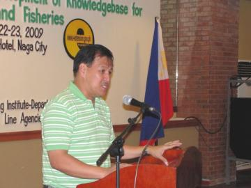 The late Sec. Jesse Robredo when he was still Mayor of Naga City (photo by Ed Sa